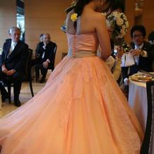 お気に入りのカラードレスと髪型