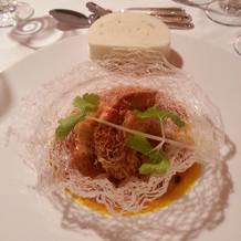 ズワイ蟹のカダイフ巻き豆鼓ソース