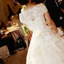 挙式と同じドレスの披露宴バージョン