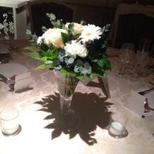 ゲストテーブルの基本の装花