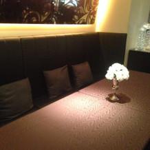披露宴会場のソファ