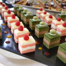 色とりどりのケーキかわいい!
