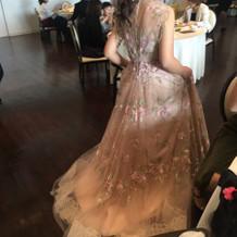 カクテルドレスです!