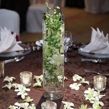 卓上の装花とキャンドル