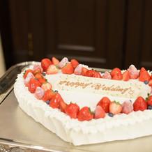 ウエディング生ケーキ