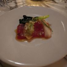 お魚の前菜。パイナップルとのマリアージュ
