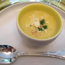 トウモロコシのヴルーテ。冷たいスープ。