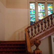 階段での写真撮影も素敵