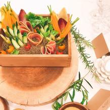卓上装花の替わりの野菜box