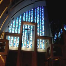 挙式会場のステンドグラス
