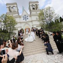 教会前の大階段
