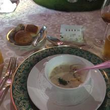スープとパン三種