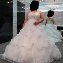ドレスの試着段階です