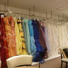 カラードレスもたくさんあります