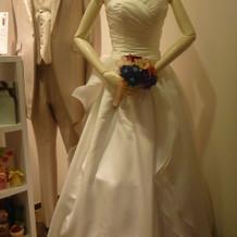 セパレートドレスはシンプルでサイズ充実