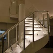 お色直し後の登場階段