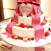 デザインしたウェディングケーキです