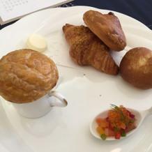 パン、スープ、一口オードブル