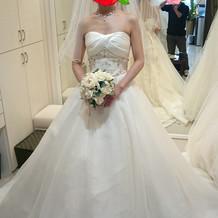 ロングベールのドレス
