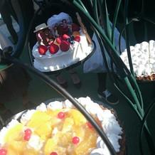 ウェディングケーキはタルトツリーしました
