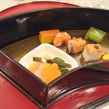 お箸で食べられるお料理です。