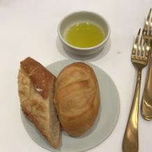 パンとオリーブオイル
