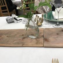 テーブルのグリーン