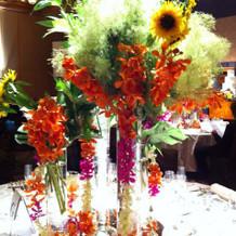 夏らしいテーブルのお花