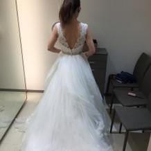 式場の雰囲気に合うドレス