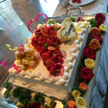 みんなで飾り付けしたケーキ