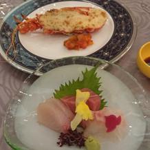 ロブスターとお造り、和食と洋食のコラボ。