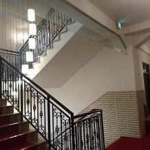 2階→3階への階段です