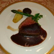 肉料理。牛ヒレのステーキになります