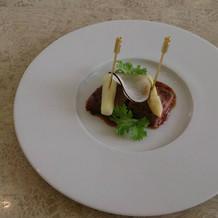 牛フィレ肉のグリル。オプション料理です。