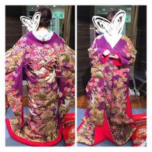 刺繍の豪華な紫