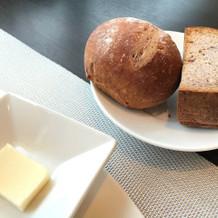 【パン】プチフランスパン 黒米粉パン