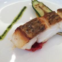 魚料理は真鯛。