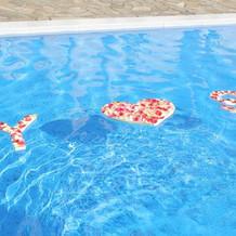 プールに浮き文字を手作りしました。