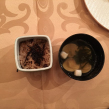 会食会での和食 赤飯と吸物