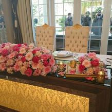 会場メインテーブル装花