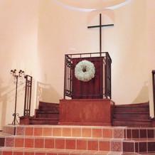 教会内に本物のパイプオルガンがあります。
