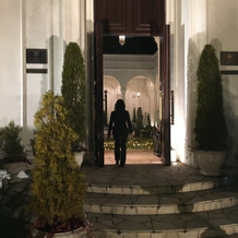 正門のドア
