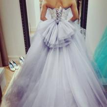 グレーが可愛いドレスです
