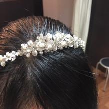 ウェディングドレスの髪飾り