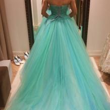 リトルマーメードのような素敵な色のドレス