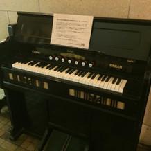廊下のピアノ