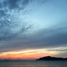 会場から見える夕焼けが綺麗でした