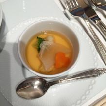 フカヒレ入りコンソメスープ 茶碗蒸仕立て