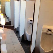 トイレ。仕切られていてきれい。