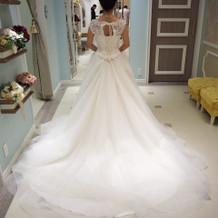 試着したドレス。
